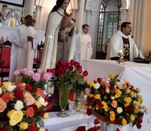 Paróquia Carmelita na Diocese festejou o dia de Santa Teresinha